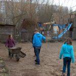 Pferde AG: Hofarbeiten