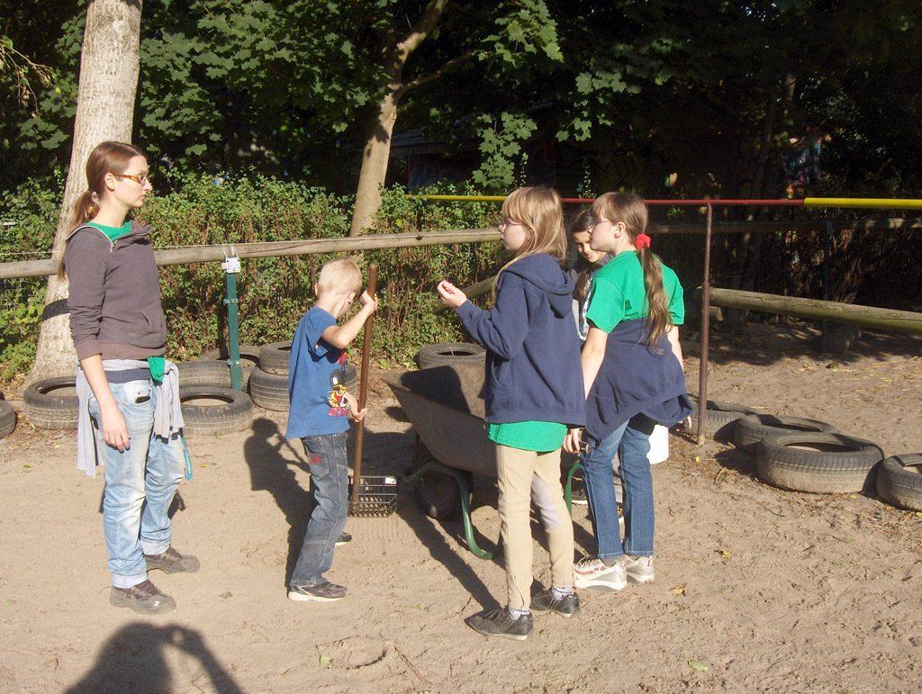 Pferde AG: Arbeiten auf dem Pferdehof