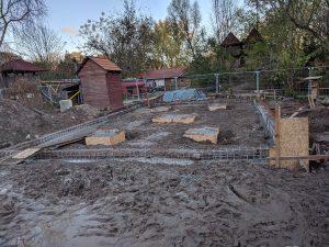 Bauarbeiten neues Spielhaus Fundamente
