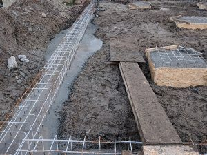 Bauarbeiten neues Spielhaus Betonsockel