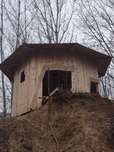 Neue Hütte auf dem Kletterberg
