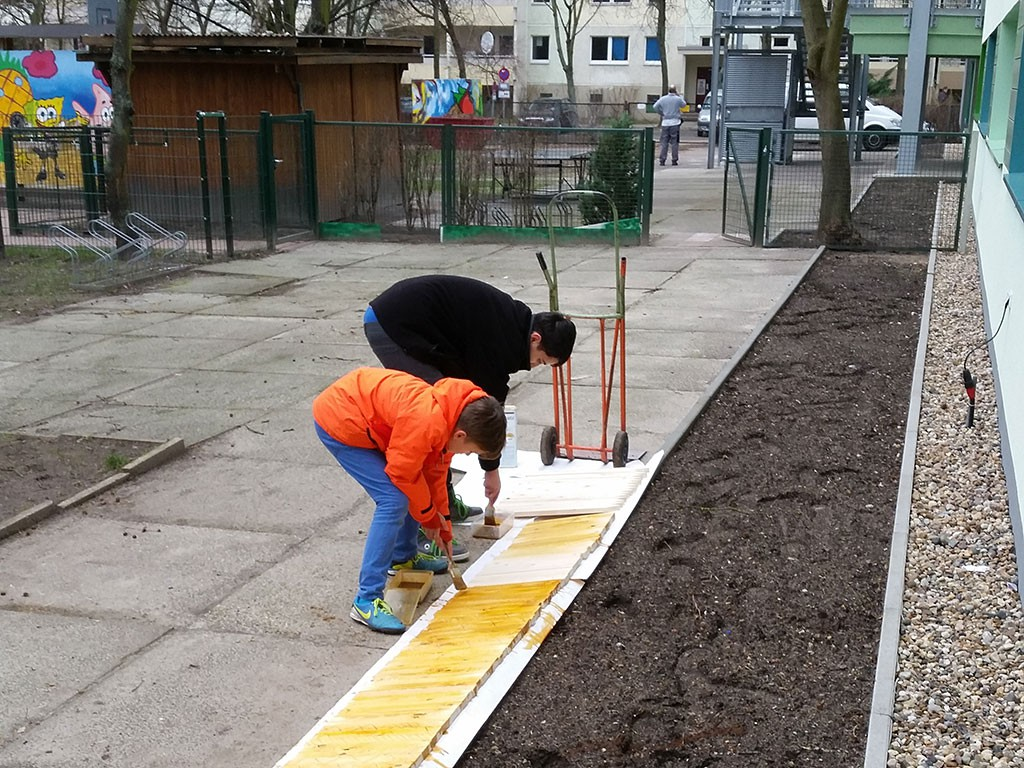 Gartenprojekt Zaunholz beizen