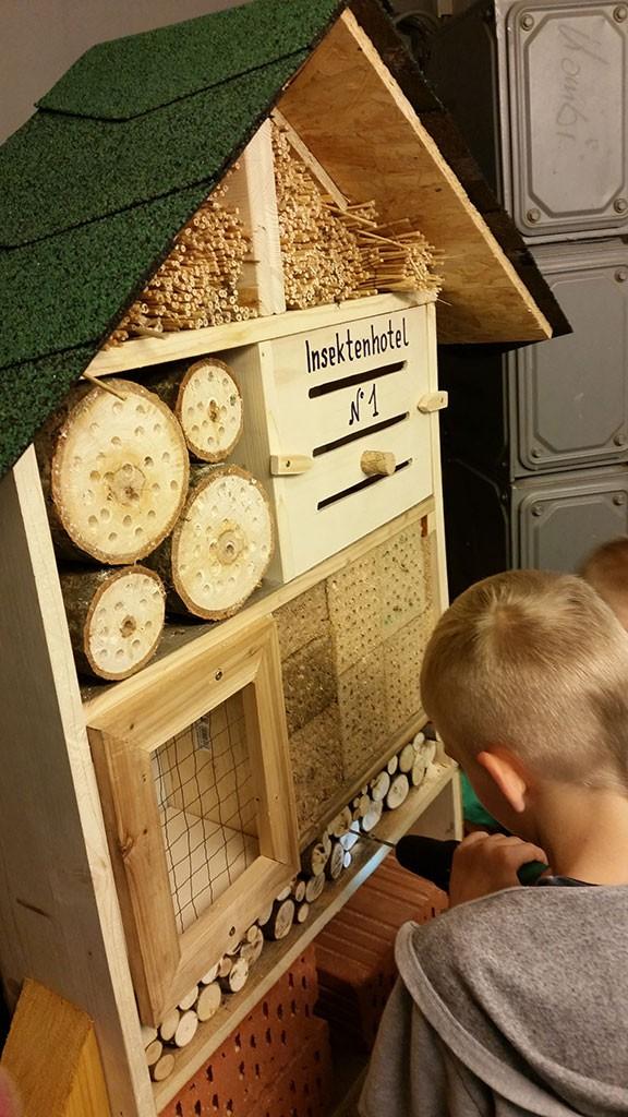 Gartenprojekt Insektenhotel bauen