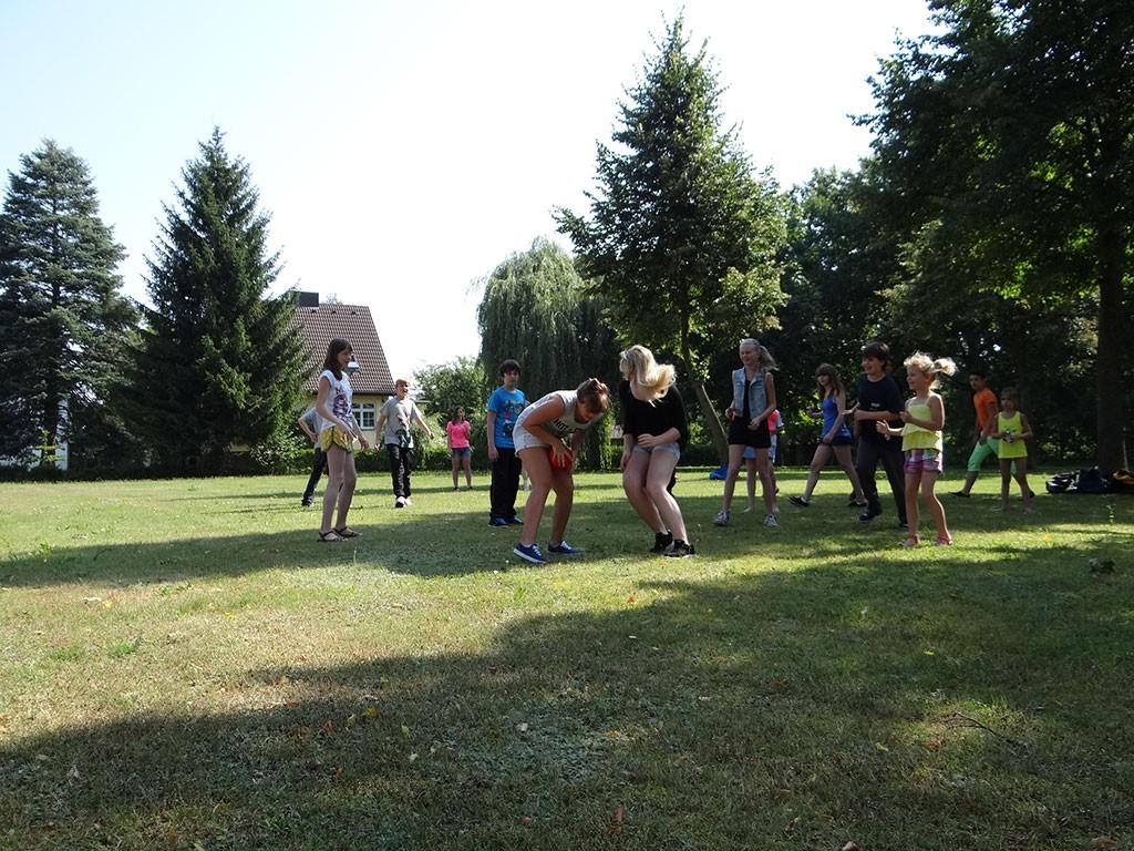 Ferienlager Ballspiel