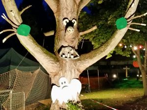 Halloween Gruselbaum