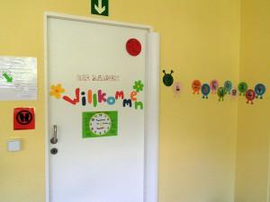 Tür und Wand nach der Instandsetzung