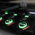 Loopstation mit grün leuchtenden Aufnahmeknöpfen