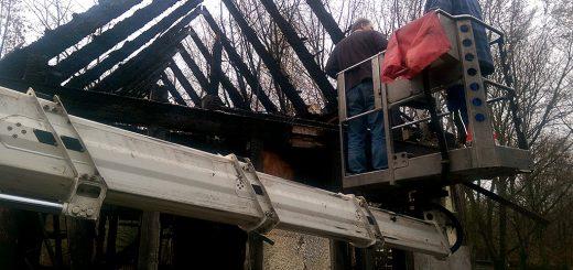 Freiwilligen Feuerwehr Weißensee half bei Beseitigung der Brandruine