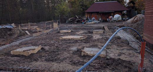 Ein Spielhaus entsteht auf der Brandruine