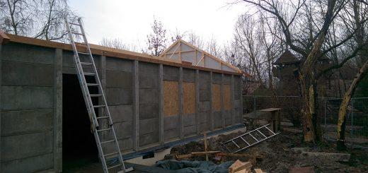 Unser neues Spielhaus ist bald fertig